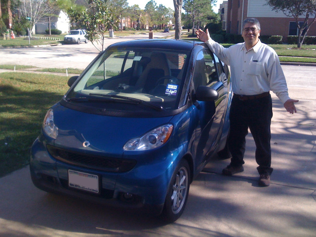 While not as fast as a Saleen, my brother-in-law's smart fortwo draws its share of attention on the road. (car_0028.jpg, 640w x 480h )